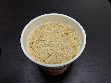 ブタメン(熱湯3分後)